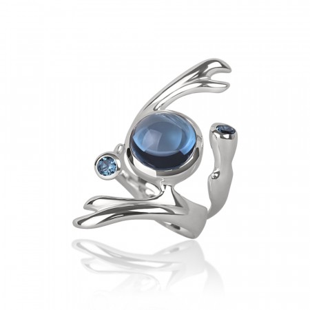 Freesia ring med London blue topaz