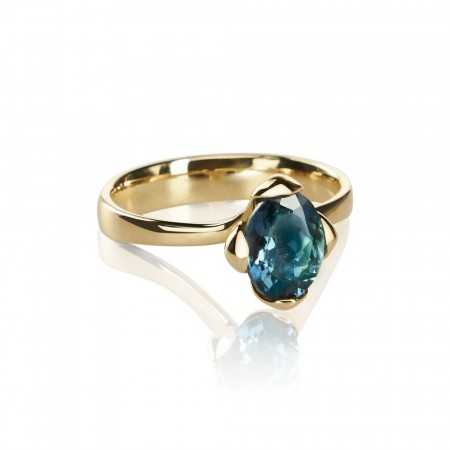 Honey Petal ring med London Blue Topaz